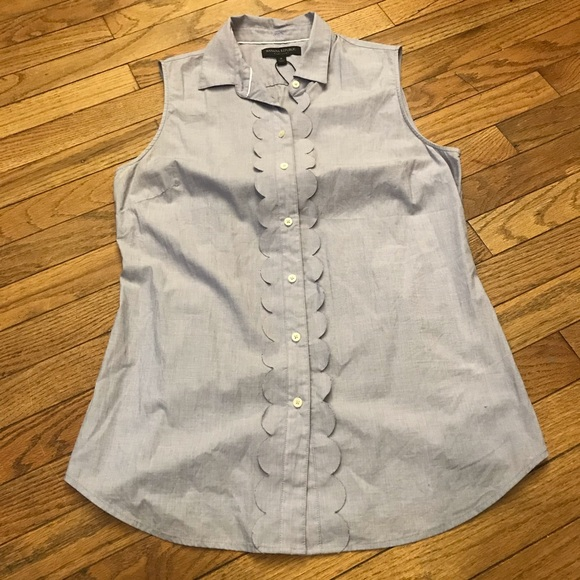 Banana Republic Tops - Light purple short sleeve button down